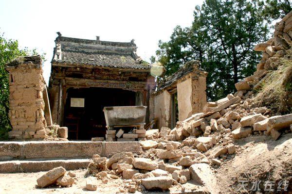 东崖磨针殿等多处古建筑木架结构开裂