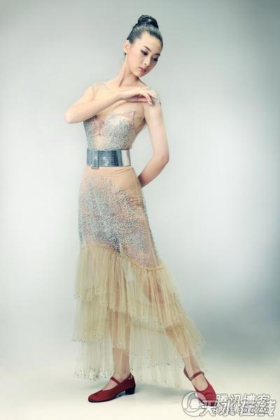 美女明星于佩最新写真照(组图) - 秋雨 - 秋雨 雨耐不住寂寞 就飘了下来