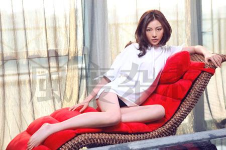 干女秘书50p_巩新亮再度演绎妩媚性感女秘书(组图)