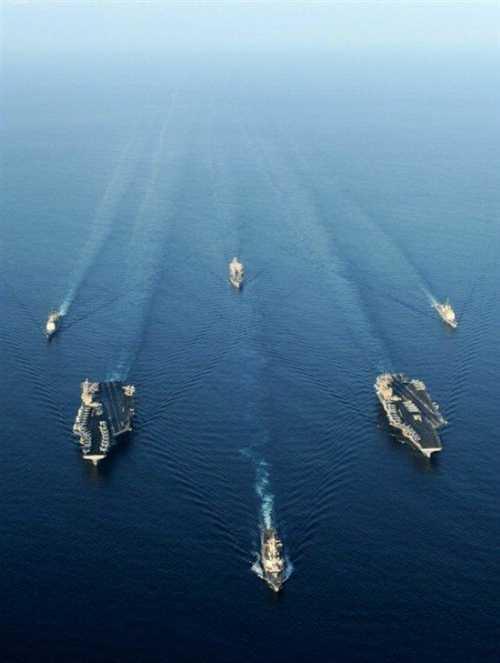 资料图:美国海军两艘航母编队.