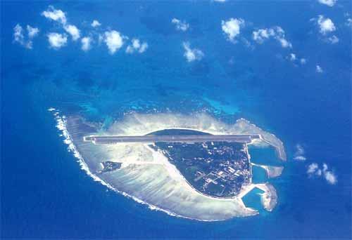 永兴岛鸟瞰图;; 卫星地图西沙永兴岛西沙群岛最大的