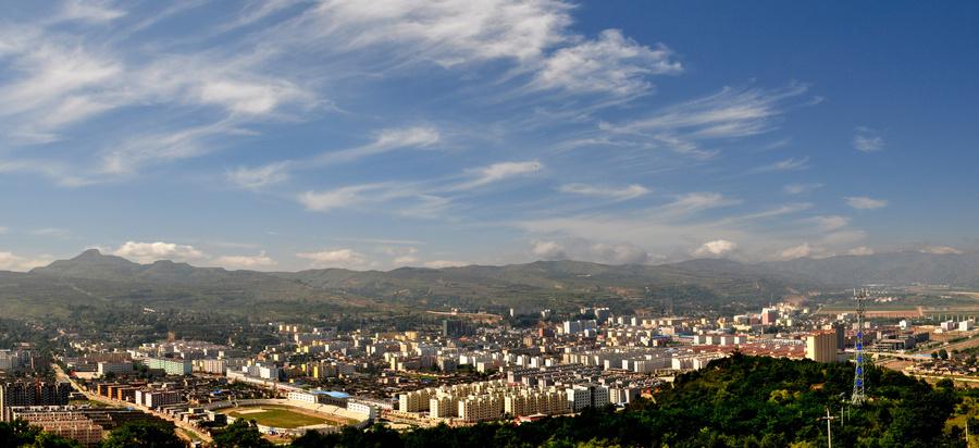 甘肃天水湖风景线照片