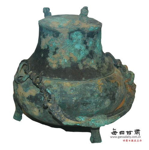 汉代提梁青铜卣