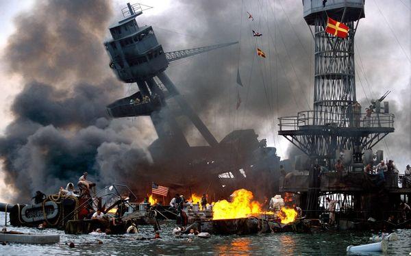 日本 珍珠港/资料图:图为电影中日本袭击珍珠港后,美国损失惨重。