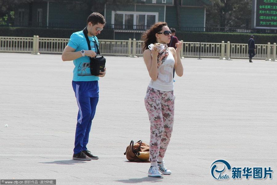 美女图片北京最高气温接近30℃