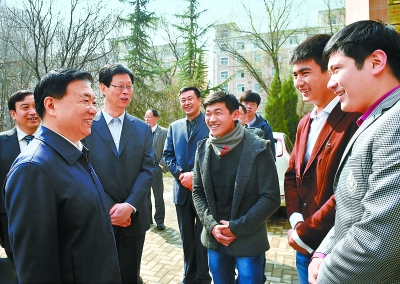 王三运在西北师范大学调研