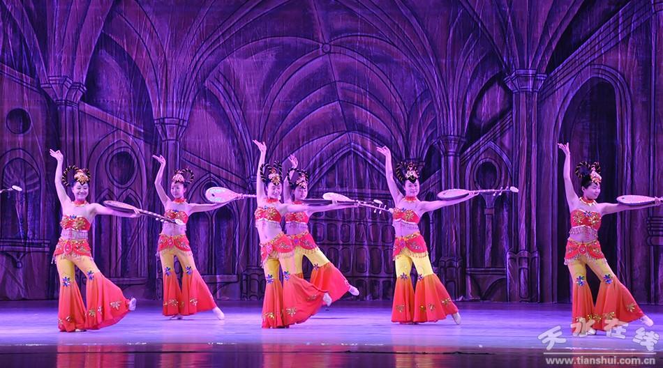 神韵》 表演:天水市歌舞团)-古巴国家芭蕾舞团演员天水演出前彩