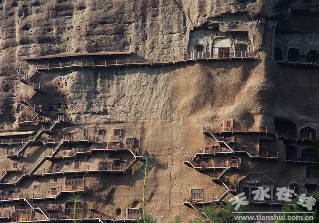 麦积山风景名胜区包括麦积山石窟,仙人崖,石门,曲溪四大景区和街亭