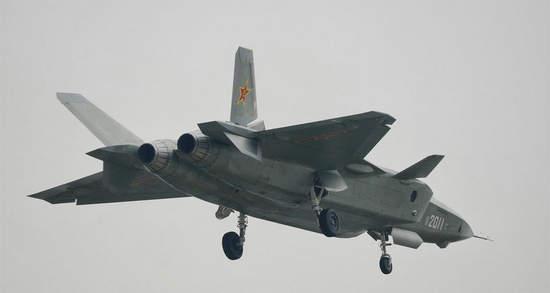 文章称,歼-20战斗机可能是一款专门设计的飞机,作为中国反介入/反拒止