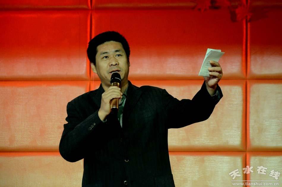 杜甫诗朗诵《梦李白》 表演:曹文成