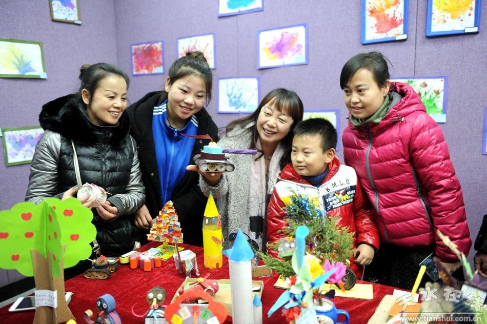 秦州区聪聪星幼儿园举办幼儿美术作品展迎新年(图)