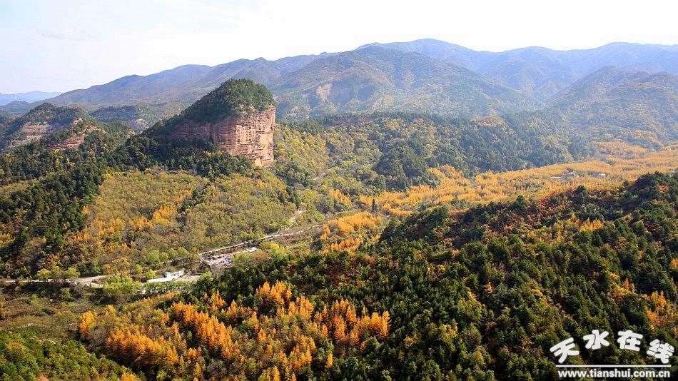 (麦积山之冬)    麦积山石窟为中国四大石窟之一,是国家aaaaa级旅游