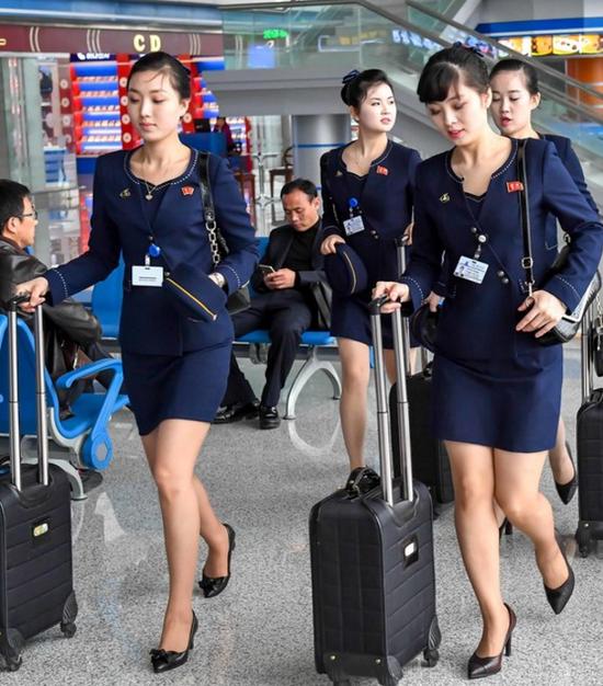 朝鲜空姐新版制服图片