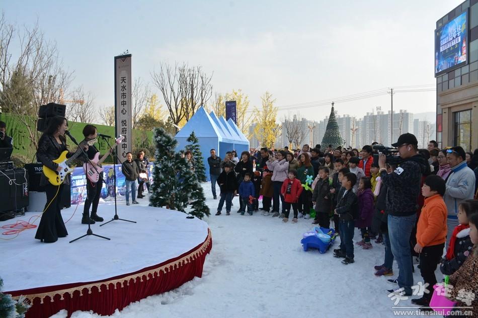 除元旦主题嘉年华外,恒顺地产奇幻冰雪季还将推出包含唯美音乐剧