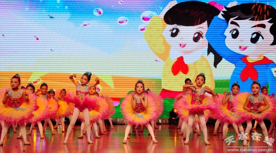 作品02号:舞蹈《过年啦》 作品03号:女声表演小合唱:《春天的放事》