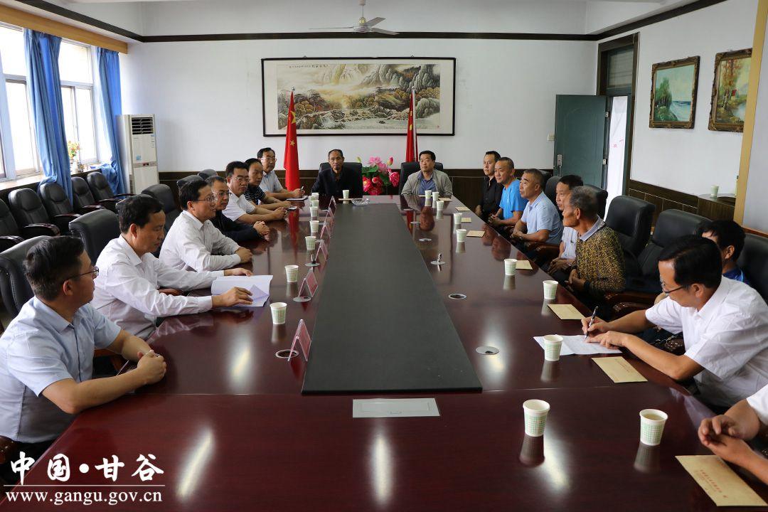 市常委會副主任蒲朝暉帶隊赴甘谷慰問一線教師