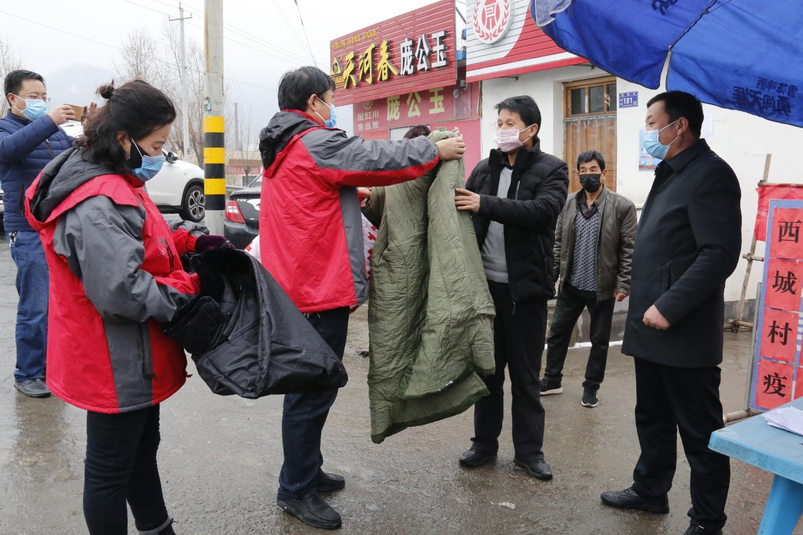 富蕴县红十字会图片_清水县红十字会为疫情防控一线人员送温暖(图)--天水在线